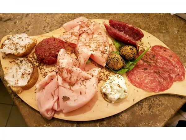 Foto 1 di Menù Carne Completo   PER DUE PERSONE  Ottieni 60 punti Gurmy - CONTROCORRENTE